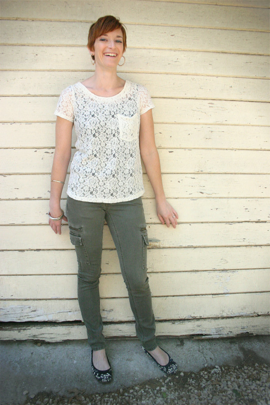 How to Wear Skinny Cargo Pants with Lace Top