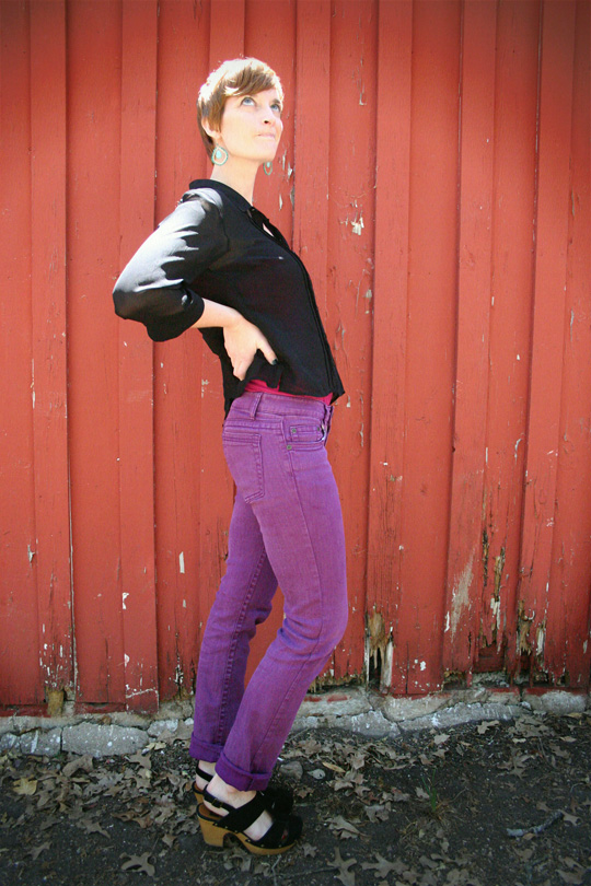 How to Wear Purple Jeans with Rolled Cuffs