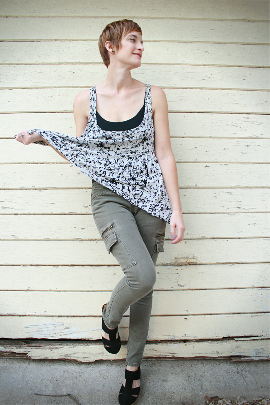 skinny cargo pants and printed top