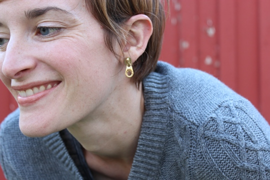 madewell sweater marc jacobs earrings